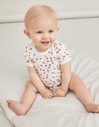 Bebeluși (0-12 luni)