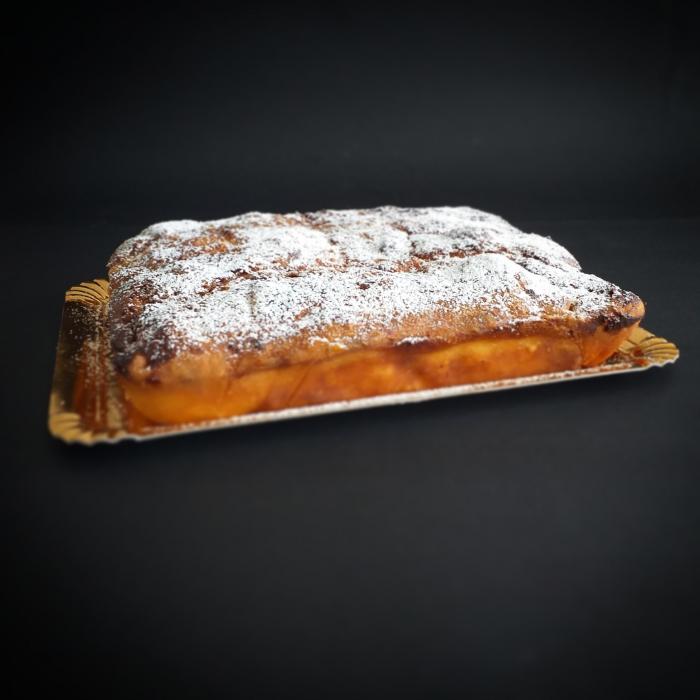 Placinta traditionala cu branza dulce si stafide   -1kg [0]