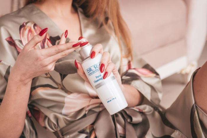 Lapte de curatare faciala 3 in 1 cu  Minerale de la Marea Moarta si Ginkgo Biloba 2