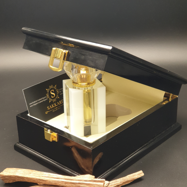 Parfum arabesc Sakkari Gold Oud 1