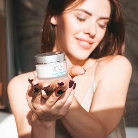 Crema cu Colagen si Minerale de la Marea Moarta pentru fermitate1