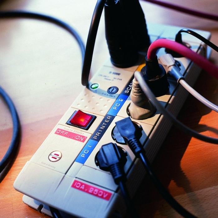 Dymo Embossing Tape 9mm, black, S0898130 S0847720 S0847730-big