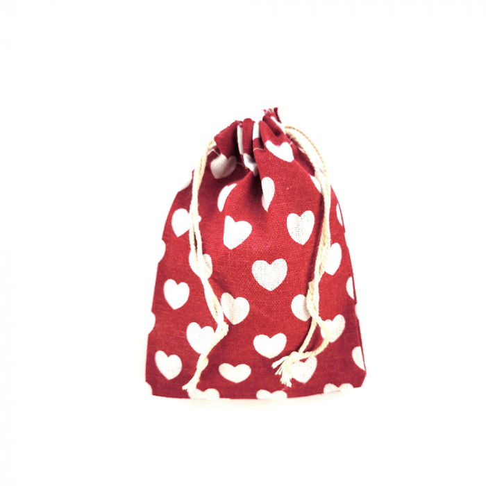 Saculet textil rosu cu inimi albe 17cm x 11.5cm-big
