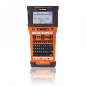 Aparat etichetat portabil Brother PT-E550WSP Kit, QWERTY, 180 Dpi, conectare Wi-Fi si USB, cutter automat, latime banda max. 24 mm, include 2 benzi TZE 24 mm Strong Adeziv5