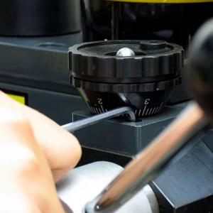 Set chei hexagonale cu cap tip bila magnetizat Engineer, timp imbus, unghi de lucru 30⁰, nichelate in camp electrostatic, brat lungime standard, uz general, 8 chei/set, fabricat in Japonia1