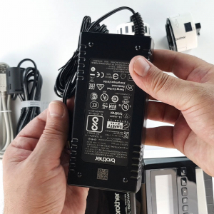 Brother QL-820NWB, imprimanta termica profesionala etichete, ultra flexibila, optiuni multiple conectivitate WLAN, Bluetooth 2.1, USB 2.0, Afisaj LCD, Cutter automat, printare negru si rosu5