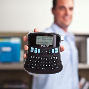 Dymo LabelManager 210D label maker, AZERTY and 1 professional label box, 12 mmx7m, black/white, S0784460, 450135
