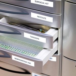 Etichete autocolante compatibile, 9mm x 7m, negru/alb, 40913 S0720680-C2