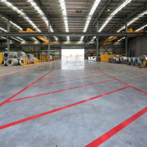 Banda marcare/protectie 3M 764i vinil rosu, 50mm x 33m, marcare terenuri sport indoor, 700062998641