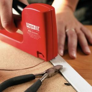 Set capsator tapiterie Rapid R53E, capse 53/4-10 mm, include 1068 capse Rapid 53 204438525