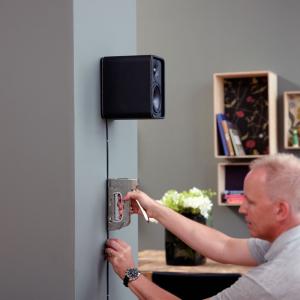 Capse albe Rapid 28/10 mm pentru cabluri, High Performance, galvanizate, semicirculare, divergente, 1000 capse/cutie 118935119