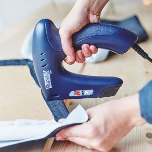 Capsator electric Rapid E100 pentru capse si cuie, mici Proiecte DIY, Desing ergonomic, magazie duala, capse 53/6-14mm, cuie 8/15mm 50005782