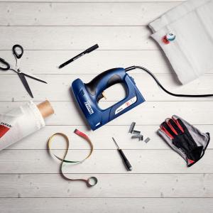 Capsator electric Rapid ESN530 pentru capse si cuie kit cu servieta, tapiterie, capsare aproape de perete, magazie duala, capse 53/6-14mm, cuie 8/15mm 50001292