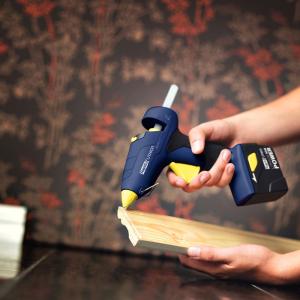 Baton silicon profesional Rapid PVC, Cabluri si Plastic, fixare si reparatii, transparent, Ø12mm x 190mm, baza EVA, 14 buc/blister 4010736310