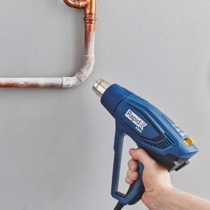 Rapid R2000 Hot Air Gun kit, include rigid plastic blue case, 2000 W, air flow 450 l/min, 3 airflow levels, temperature settings 60°C/550°C, overheating protection, 2 year guarantee, 50013525