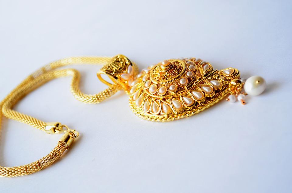 5 sfaturi pentru intretinerea bijuteriilor placate cu aur
