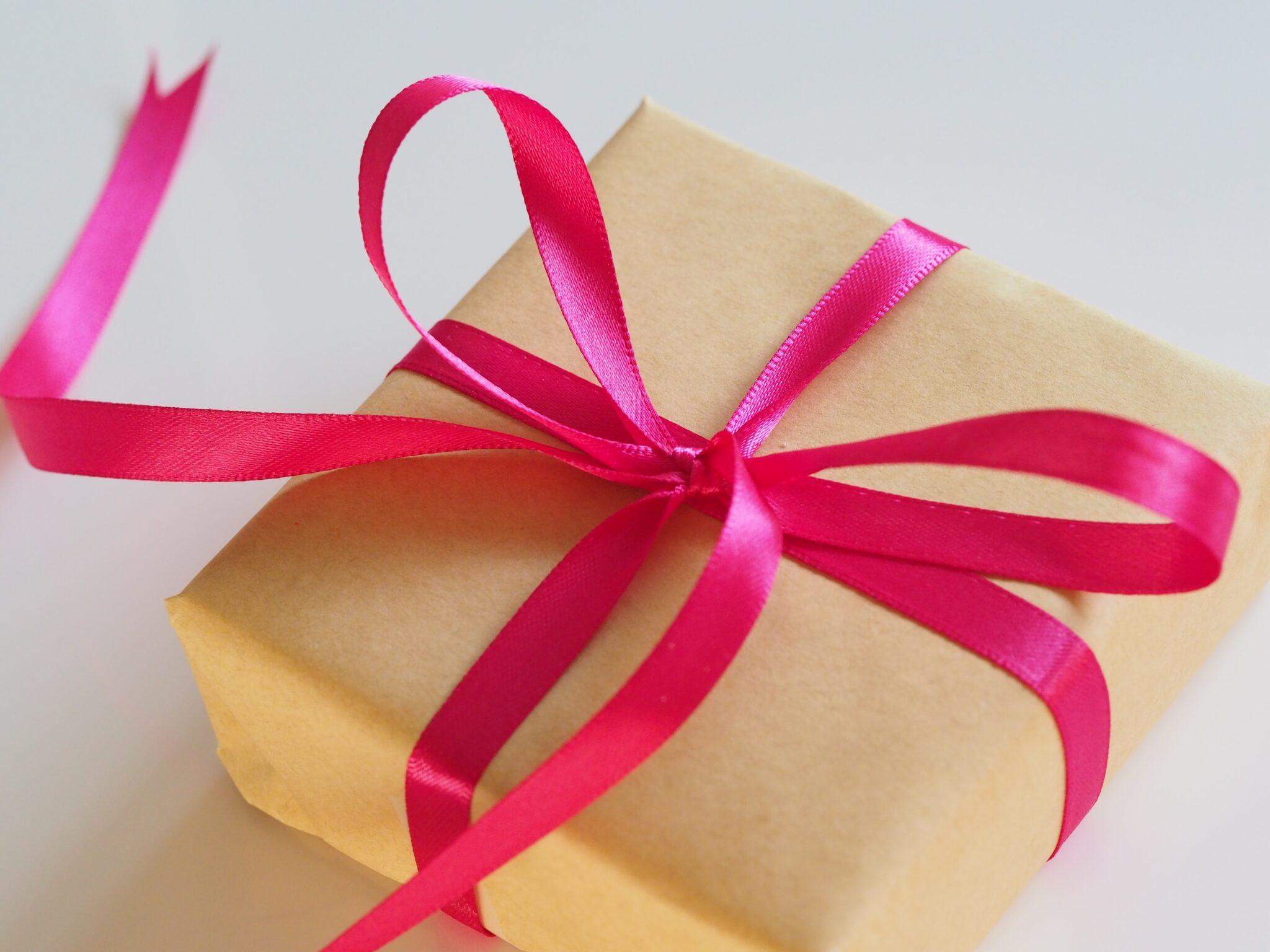 2 Modele de accesorii exclusiviste – idei de cadouri originale