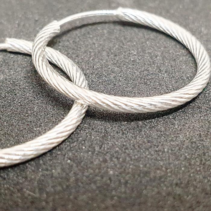 Cercei rotunzi din argint 2.3 cm Fraction 0