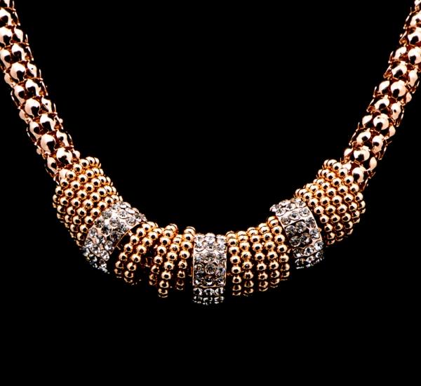 Colier auriu cu strasuri Burning Trend 1