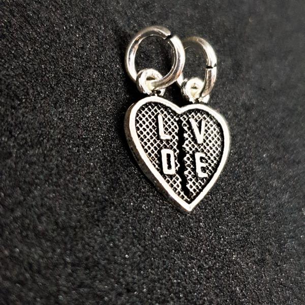 Pandantiv din argint rodiat Love 1