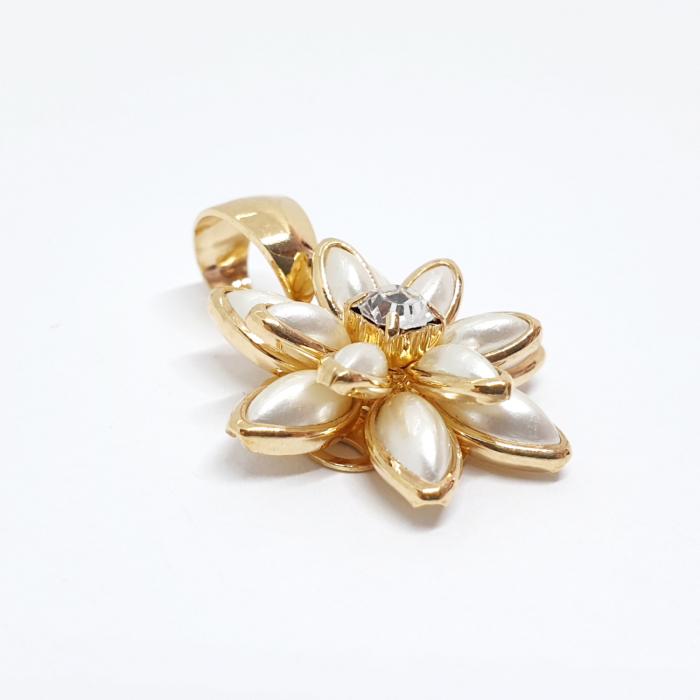 Pandantiv-floare placat cu aur White Lilly [1]
