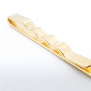 Ac de cravata placat cu aur Nikko1