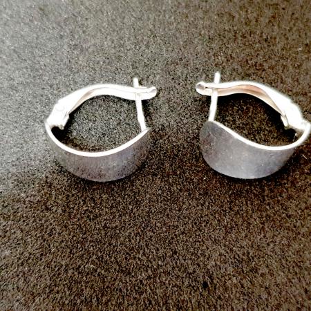 Cercei rotunzi din argint 1.5 cm Gatta1