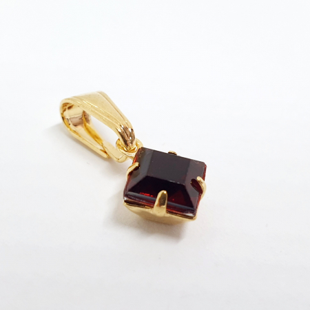 Pandantiv-romb rosu placat cu aur Winston [1]
