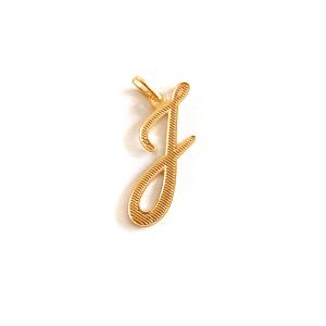 Pandantiv placat cu aur litera J0
