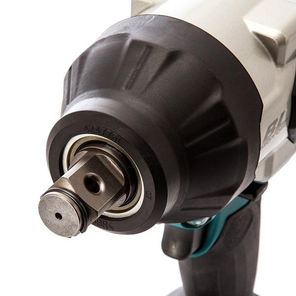 Masina de insurubat cu impact (bormasina) cu acumulator Makita DTW1001RTJ, 1800 RPM, 18V, 5 Ah [1]