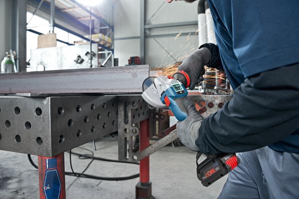 Polizor unghiular (flex) cu acumulator Bosch GWS 18V-10, 18V, 5Ah, 9.000 rpm, 125 mm, 2 acumulatori si incarcator 2