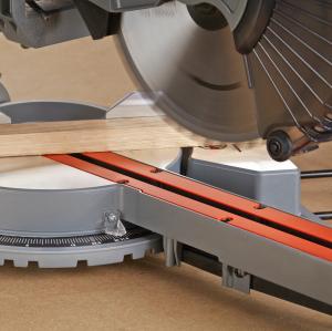 Fierastrau circular stationar Black & Decker BES700, 1600W, 5000 RPM , 21.6 cm, 62 mm, 0-45 grade1