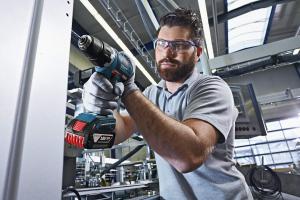 Masina de gaurit si insurubat (bormasina) Bosch GSR 18 V-EC, 18 V, 5Ah, 60 Nm, 2 acumulatori si incarcator3