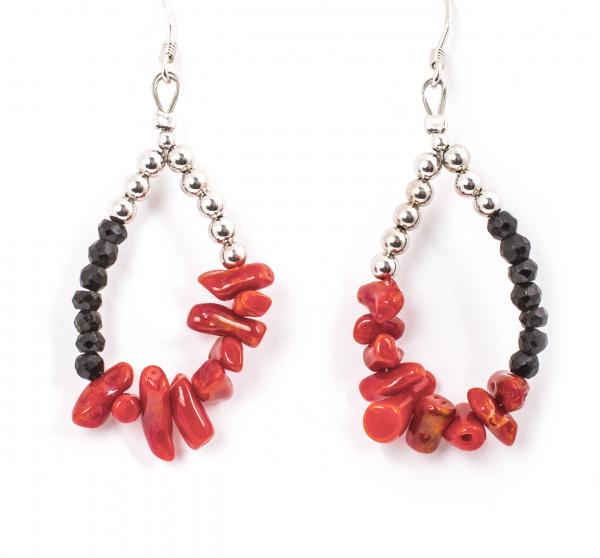 Cercei din Argint cu Onix Negru Fațetat și Coral Roșu 0