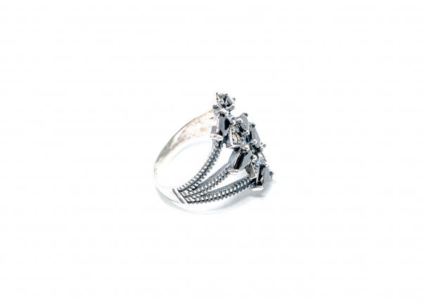 Inel din Argint cu Granat si Marcasite 1