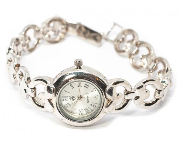 Ceas cu brățară din argint 0