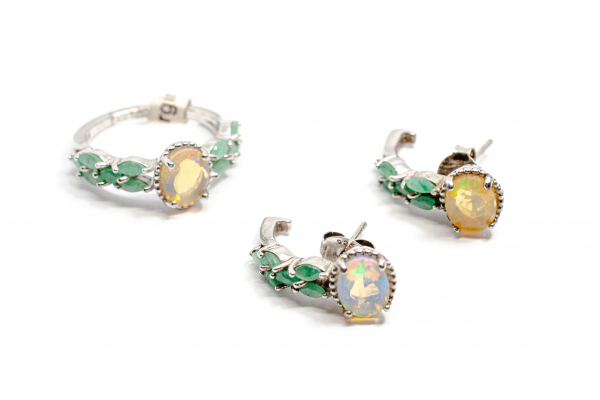 Set din Argint cu Cercei si Inel din Opal si Smarald 0
