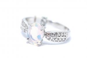 Inel din Argint cu Opal si Zirconiu0