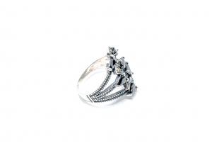 Inel din Argint cu Granat si Marcasite1