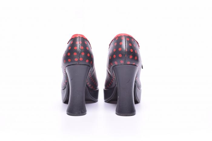 Pantofi dama cu buline rosii 4