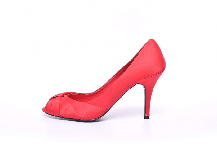 Pantofi dama cu toc subtire 5