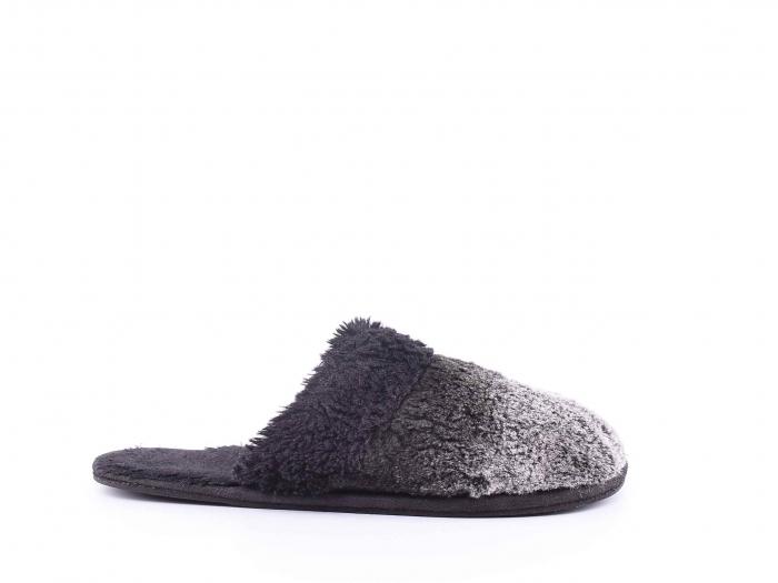 Papuci de casa 0
