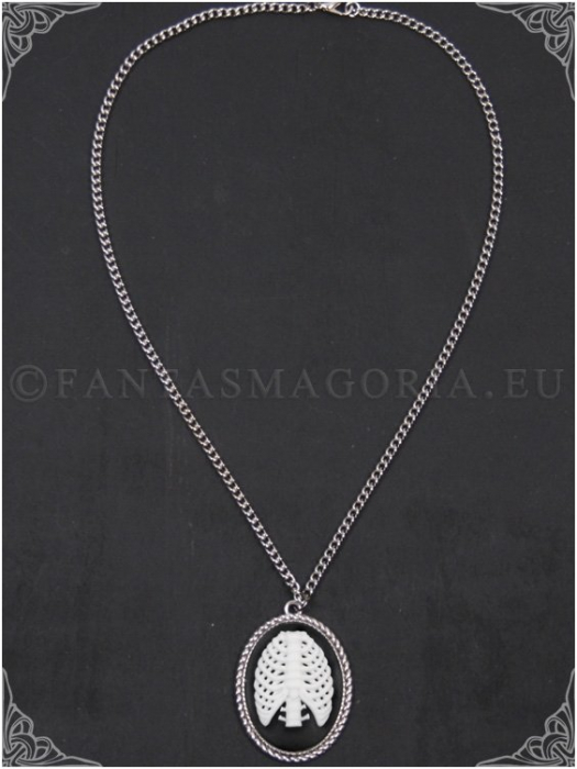 The ribs cameo pendant on a chain 1