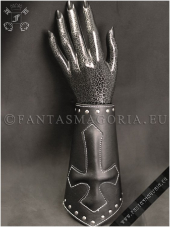 Dark Knight leather wristband1