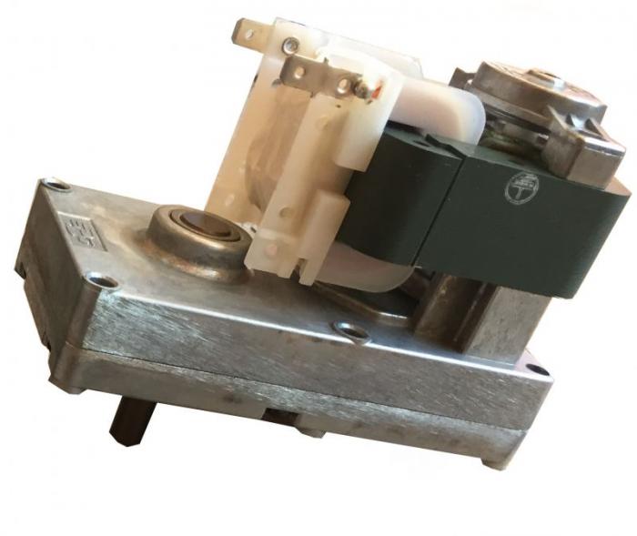 Motor reductor snek, centrale peleti,1,5 rpm ax 9,5mm 0