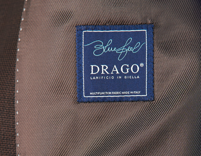 Costum barbati slim cu sacou maro uni si pantaloni bleumarin [2]