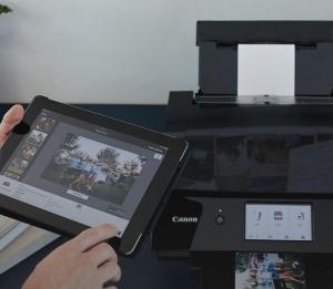 Multifunctional inkjet color Canon Pixma TS8250 , dimensiune A4 (Printare, Copiere, Scanare, Cloud link), duplex, viteza 15ppm alb- negru, 10ppm color, rezolutie 4800x1200 dpi, alimentare hartie 100 +2