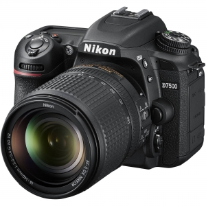 Nikon D7500 Aparat Foto DSLR 20.9MP CMOS 4K Kit 18-140 mm1