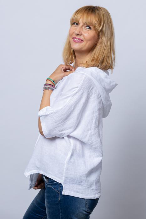 Bluza alba asimetrica din in, cu gluga [1]