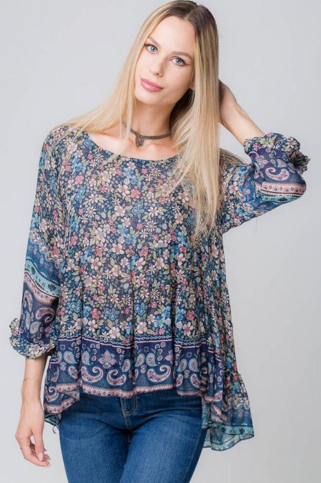 Bluza cu imprimeu floral pe fond bleumarin 1